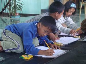 Children-in-philippines-sunflower-center-coloring