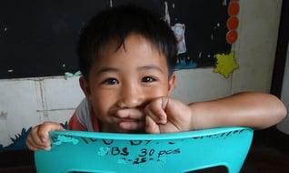 Children-in-philippines-sunflower-center-smile